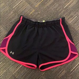 Under armour running shorts black with pink lining